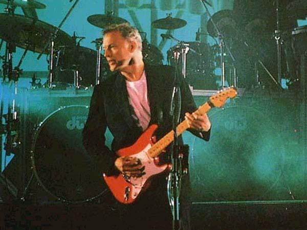 EMG vs vintage pickups David Gilmour Red Stratocaster Wiring Diagram on